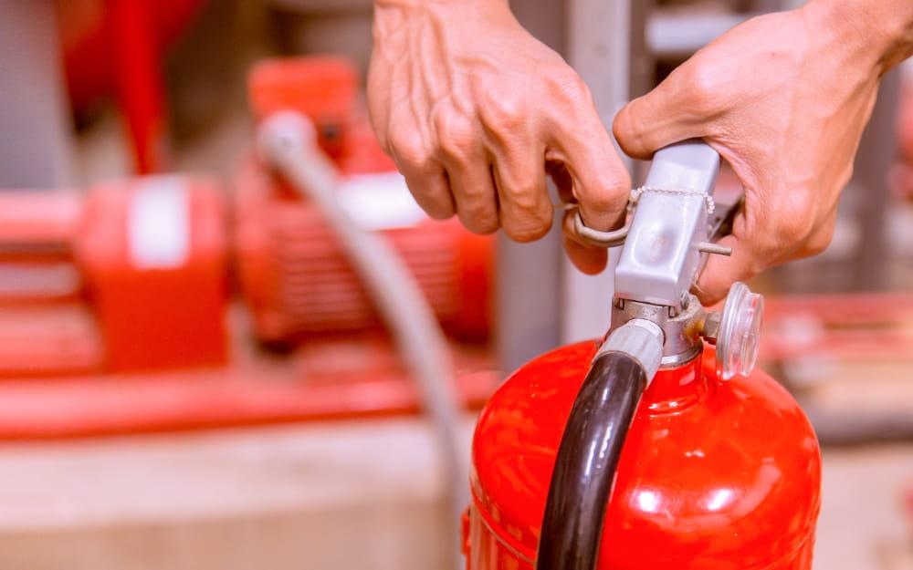 NR 23: Proteção contra incêndios: equipamentos de proteção.